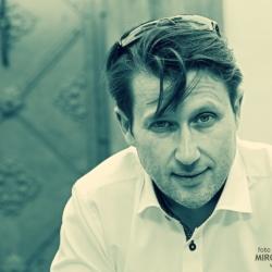 Petr Hanzlík skladatel, zpěvák, dramaturg, producent...
