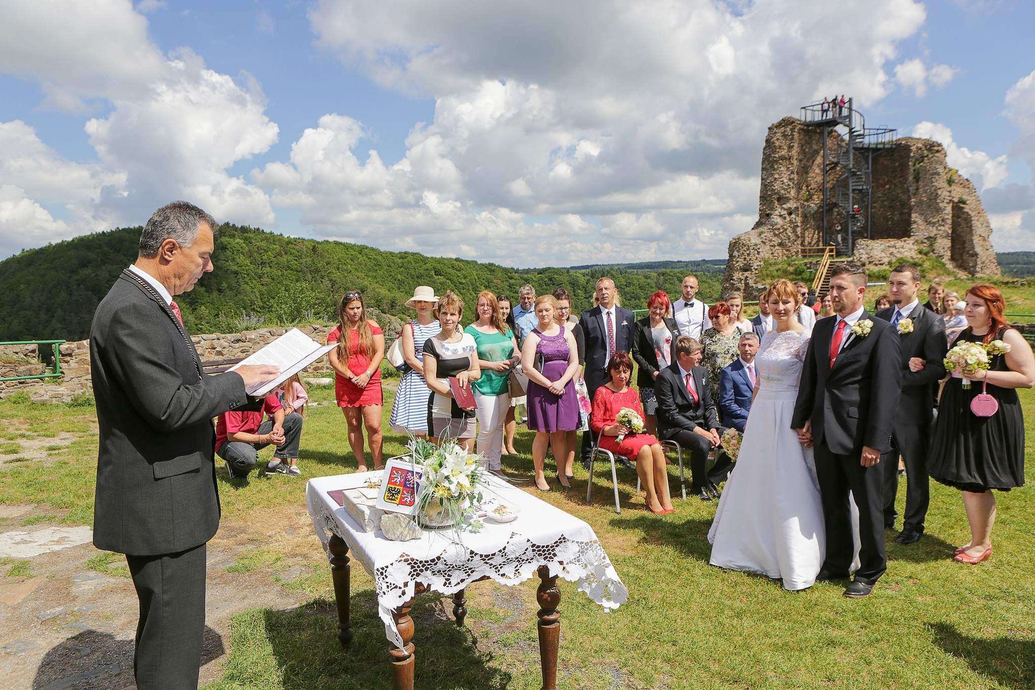 svatba na hradě Lichnice