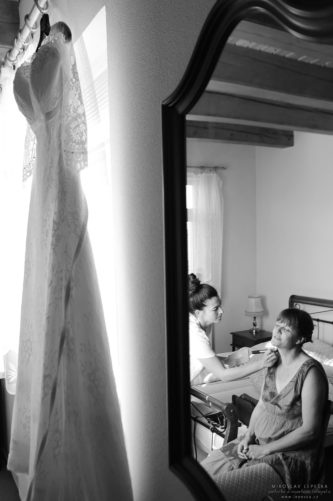svatební fotograf přípravy